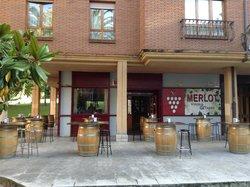 Merlot Vinos y Tapas