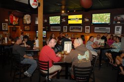 Halftime Sports Bar & Grill