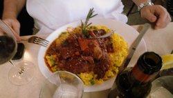 Ossobuco com risoto a milanese