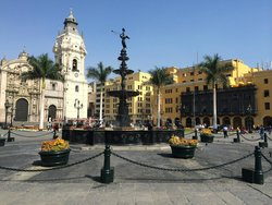 Walking Lima