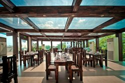 BoardWalk Poolside Restaurant