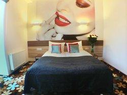 Algiro Hotel