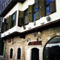 Barudi Cafe & Bar