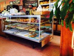 Mary Ellen's Portuguese Bakery