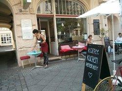 Cafe Blaumond