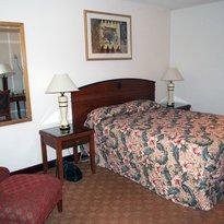 Econo Lodge Inn & Suites Madras Chateau Inn
