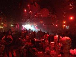 Midian Live Pub