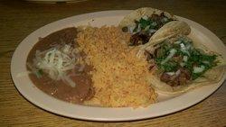Tacos Salsas Y Carnitas