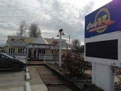 Circle R Drive Inn