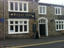 The Royal Oak Settle