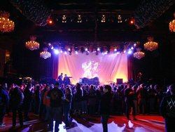 Interior of the venue: concert room.