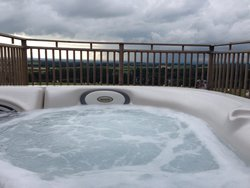 Gill cottage hot tub