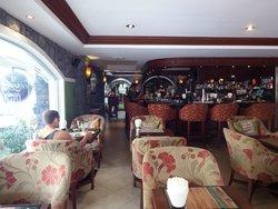 O'Garas Bar & Grill