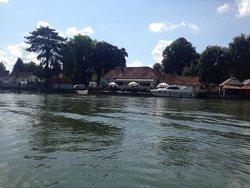 Thames Canoe Hire