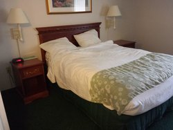 handicap accessible room, full size bed
