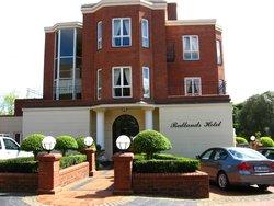 Redlands Hotel and Lodge