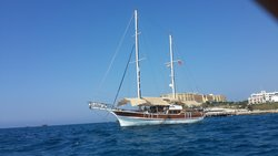 Vela Yachting -Tours