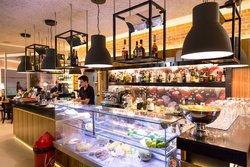 Alma Cafe & Bistro