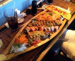 Hook's Sushi Bar & Thai Food
