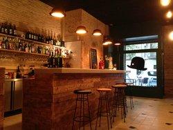 El Bombin Bar Bodega