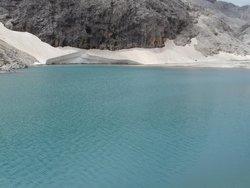 Neve a sud del lago dell'Antermoia