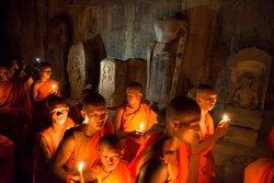 Angkor Happy Guide
