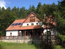 Bialy Dom W Ropki