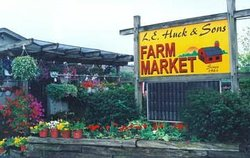 L E Huck & Sons Farm Market