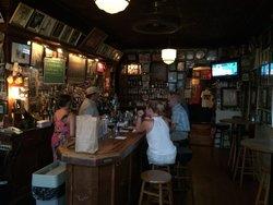 Henninger's Tavern
