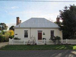 Cottage on Gunning