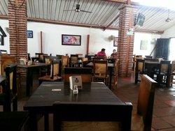 restaurant lacucharitarita santa marta