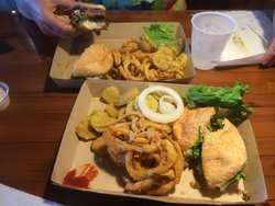 ‪Twisted Root Burger Co.‬