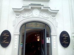 Haas & Haas Colonial Teahouse