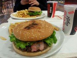 Tobia's Burger