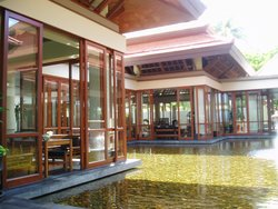 Lobby on The Water