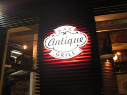 Antique Bar&Grill