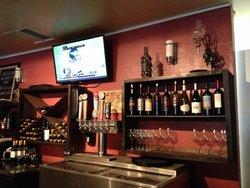 Tannins WIne Bar & Bistro