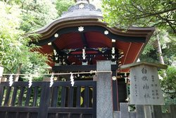Shirahata Shrine