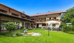 Zum Hirschhaus Hotel + Restaurant