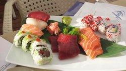 15 piece mixed Sushi