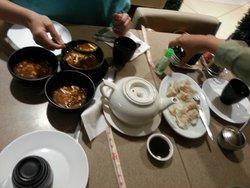 Mey Lin's Pot & Noodle House