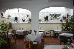Hostal Restaurant El Gallo