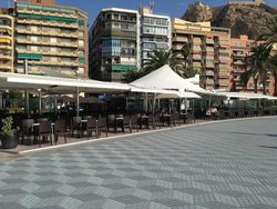 Kiosko-Restaurante Puerta Del Mar