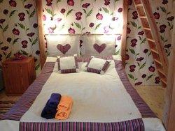 Кровать на первом ярусе