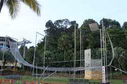 Wahana Bermain Flying Trapeze