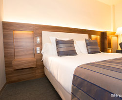 The Triple Room Renovated at the BEST WESTERN Premier Hotel Dante