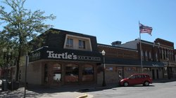 Turtle's Bar & Grill