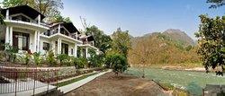 Neemrana's - Glasshouse on the Ganges