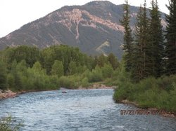 morning on the hoback next to main lodge