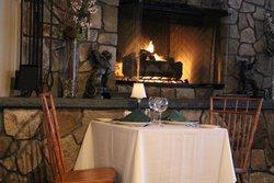 Coonamesett Inn Restaurant